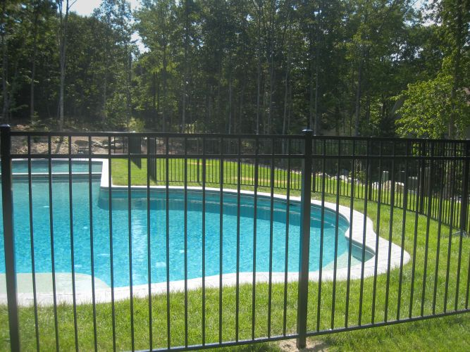 Cl ture pour piscine creus e a granby et bromont for Cloture pour piscine gonflable